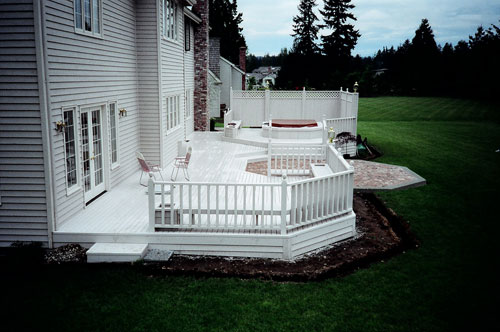 Decks: More Outdoor Space for Your Enjoyment Image